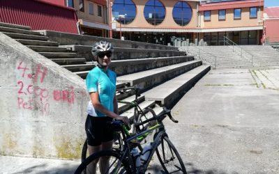 Pozdrav poletju – s kolesom iz službe